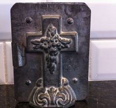 ANTIQUE VINTAGE EASTER CROSS CHOCOLATE MOULD MOLD