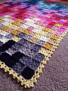 Over 400 squares in your most favorite colors, blended in this mesmerizing piece – 35-40 shades or more! Design Profile Location: Arizona Pattern: Plain-Jane granny squares with a slight vari…