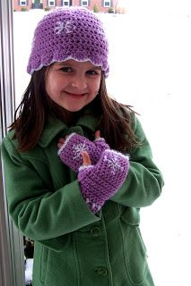 fingerless gloves and hat set - free pattern