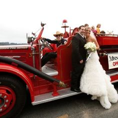 Mendocino wedding with vintage village fire truck, photo by http://www.JperlmanRlutgephotography.com