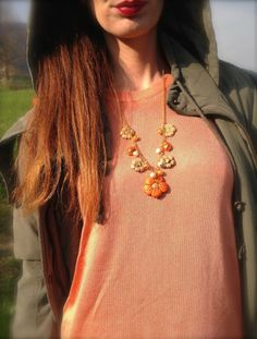 Floral Necklace , Outfit con dettagli arancio e floral Floral Necklace, Crochet Necklace, Asos, Leggings, My Style, Parka, Outfits, Fashion, Moda