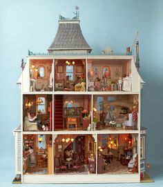 Bay Hippisley photographs superb scale miniatures to be exhibited at Newby hall Beacon Hill Dollhouse, Haunted Dollhouse, Victorian Dollhouse, Dollhouse Miniatures, Miniature Rooms, Miniature Houses, Dollhouse Furniture, Barbie Furniture, Dollhouse Interiors