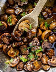 Easy Mushroom Recipes, Honey Mushroom Recipe, Low Carb Dinner Recipes, Healthy Recipes, Balsamic Mushrooms, 15 Minute Meals, Vegetarian Paleo, Side Dishes, Stuffed Mushrooms