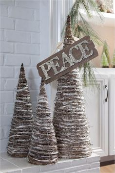 The Best 100 Fun Christmas Home Decorating Ideas https://decorspace.net/100-fun-christmas-home-decorating-ideas/