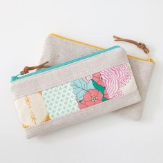 This zippered pouch is quick to make, and is a fun way to show off little bits of your favorite fabrics! Find the free pattern by LBG Studio on our sister-site Allsewingpatterns.net: http://ift.tt/2bgmahk