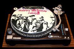 Hip Hop Party Turntable Cake Turntable cake for Hip Hop party theme, buttercream, fondant, edible image, gumpaste Hip Hop Party, Dj Party, Skate Party, Turntable Cake, Dj Cake, Music Themed Parties, 90s Theme, 90s Hip Hop, Cupcakes