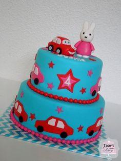 Nijntje-auto taart.JPG