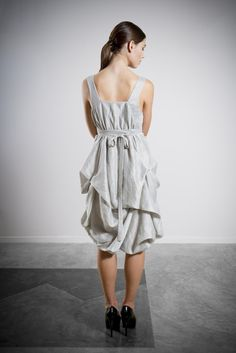Remarkable High fashion dresses tips,Modest fashion ideas and Fashion jeans ladies trends. High Fashion Dresses, 80s Fashion, Party Fashion, Womens Fashion, Fashion Hats, Spring Fashion, Grey Bridesmaids, Grey Bridesmaid Dresses, Fashion Tips For Girls