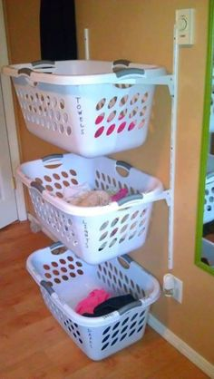 oh my goodness! This is the best idea! Need this for the laundry room!
