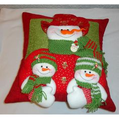 muñecos de nieve navideños soft - Buscar con Google Christmas Sewing, Christmas Jewelry, Christmas Snowman, Christmas Time, Christmas Stockings, Christmas Ornaments, Christmas Projects, Diy And Crafts, Christmas Crafts