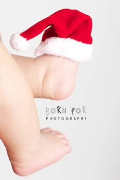 Born For Photography: I love this photo of this baby santa hat on this newborns feet. : Born For Photography: I love this photo of this baby santa hat on this newborns feet.