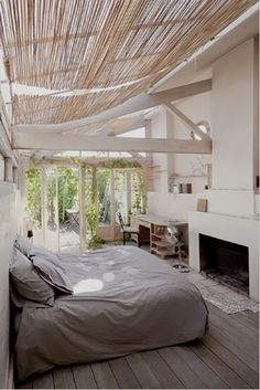 I want a glass roof in my bedroom (with a better curtain though)