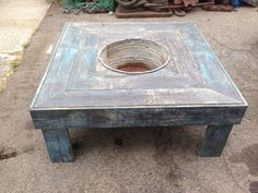 pallet table with bucket in center...perfect cooler!