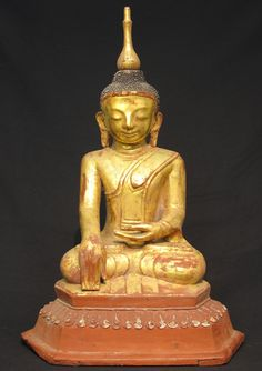 Antique lacquerware Buddha [Material: lacquer] [72 cm high] [18th century] [Ava style] [Bhumisparsha Mudra] [Goldplated] [Originating from Burma]