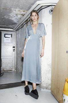 GANNI Backstage Fashionshow FW16 | Hayden Velvet Dress