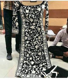 Designer salwar suits - Aishwairya Rai black and white heavy fancy thread embroidery net gown by www mongoosekart com Indian Designer Suits, Designer Salwar Suits, Indian Attire, Indian Wear, Pakistani Outfits, Indian Outfits, Look Fashion, Indian Fashion, Stylish Dresses