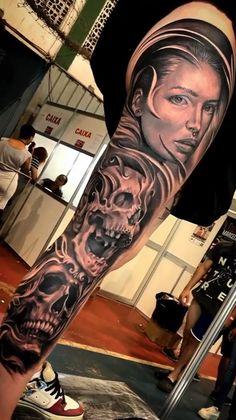 Hip Tattoo Designs, Skull Tattoo Design, Tattoo Design Drawings, Tattoo Sleeve Designs, Sleeve Tattoos, Live Tattoo, Money Tattoo, Portrait Tattoos, 3d Tattoos
