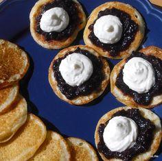 Nejedlé recepty: Lívance Great Recipes, Favorite Recipes, Czech Recipes, Czech Republic, Food Hacks, Doughnut, Nutella, Cheesecake, Muffin