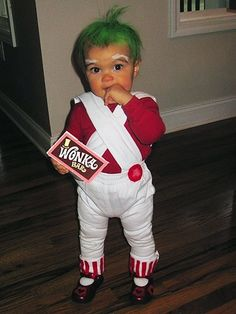 Willy Wonka and the Chocolate Factory - Oompa Loompa Costume. Bahaha, this would creep me out. I hate oompa loompas lol Primer Halloween, Halloween Mono, Halloween Kids, Haloween Ideas, Halloween Clothes, Halloween 2015, Halloween Outfits, Happy Halloween, Baby Oompa Loompa Costume
