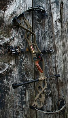 Now that the spring turkey-hunting season is nearly upon us, you should find the right shotgun. As turkey hunting has become increasingly popular, more and more manufacturers have developed shotguns that have more features. Hoyt Archery, Archery Bows, Crossbow Hunting, Archery Hunting, Hunting Bows, Hunting Gear, Crossbow Targets, Crossbow Arrows, Diy Crossbow