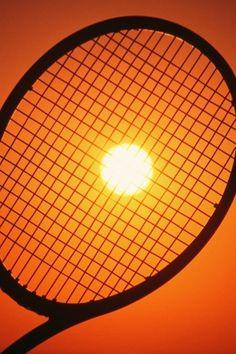 Sunset and a tennis racket #raqueta #tenis #creatividad http://www.centroreservas.com/