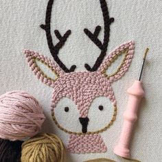 Hand Embroidery Videos, Hand Embroidery Art, Embroidery Patterns, Punch Needle Kits, Punch Needle Patterns, Loom Knitting, Yarn Crafts, Lana, Creations