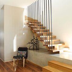 ideasgn — Farleigh House by Venn Architects Interior Staircase, Staircase Railings, Interior Architecture, Staircases, Railing Design, Staircase Design, Escalier Design, Modern Stairs, Modern Entryway