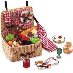 Filled Mini Picnic Hamper