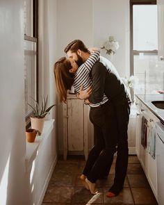 You deserved to get kissed like this everyday. Happy Friday!  Photo: @whoajess Edit: KLN  #tribearchipelago #triberedleaf #lookslikefilm #KLN  Instagram Profile: @tribearchipelago  Source/Origem: https://www.instagram.com/p/BVsrvRFhZMj/