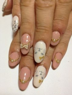 Flirty Fall Nail Art Designs - Pamper your nails to perfection by recreating these flirty fall nail art designs as perfectly polished nails are a total must have for the modern, fashion-forward divas! Super Cute Nails, Pretty Nails, Fiberglass Nails, Uñas Fashion, Nail Patterns, Pattern Nails, Manicure, Kawaii Nails, Fall Nail Art Designs