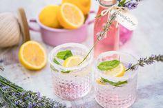 Zubereitung: Wasser aufkochen lassen und Zucker, Zitronensaft und Zitronensäure unter ständigem Rühren...