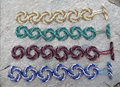 Peyote Swirl Bracelet, courtesy of http://www.flickr.com/photos/marciebeads/3795121486/. No pattern but should be decodable. Love the toggles!