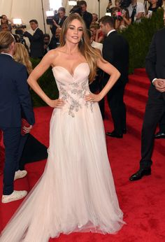 From her supersexy and wedding-worthy Marchesa gown at the 2015 Met Gala to the mermaid-inspired sequined Zuhair Murad dress she wore to the 2012 Emmy Awards, Sofia has been blessing us with her stunning body for years. Keep scrolling to take a look at her sexiest and most curve-showing outfits, then check out her new signature style.