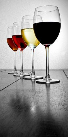 Whats your favorite shades of wine.... #BRAVOWineNight http://ow.ly/szvfa