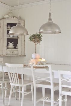 White mismatched dining chairs painted white in Swedish style room - found on Hello Lovely Studio Swedish Interiors, Rustic Interiors, Swedish Decor, Swedish Style, Scandinavian Style, Mismatched Dining Chairs, Dining Room Inspiration, Cool Ideas, White Decor