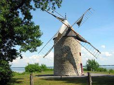Un vieux moulin à vent au Canada