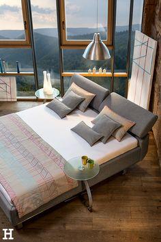 """Auf """"Ruf"""" anstatt auf Rosen gebettet!  #meinhöffi   #höffner #hoeffner #wohnen #möbel #wohnraum #wohndesign #wohnidee Anstatt, Outdoor Furniture, Outdoor Decor, Home Decor, Pillows & Throws, Bedroom Ideas, Mattress, Bed, Ad Home"""