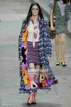 456400148-model-walks-the-runway-at-the-chanel-spring-gettyimages.jpg (394×594)