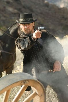 Still of Russell Crowe in 3:10 to Yuma (2007)