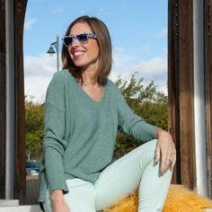 El lurex está de moda - Temporada: Otoño-Invierno - Tags: lurex, jersey de brillo, verdes, jersey de pico, tendencia - Descripción: Las prendas de brillo, en especial de lurex, son una de las tendencias que más vamos a ver esta temporada. No pueden faltar en tu armario.