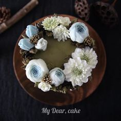 Flower wreath cake