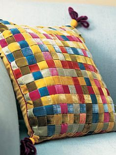 Decor: Ribbon Weave Pillow Weave seven different shades of velvet ribbon to make this decorative pillow.Weave seven different shades of velvet ribbon to make this decorative pillow. Diy Ribbon, Ribbon Crafts, Fabric Crafts, Sewing Crafts, Sewing Projects, Diy Crafts, Sewing Pillows, Diy Pillows, How To Make Pillows