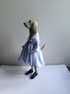 Domenica More Gordon is an Edinburgh based artist, designer and creator of the 'Archie' children's books Needle Felted Animals, Felt Animals, Needle Felting, Dog Crafts, Felt Crafts, Knitted Stuffed Animals, Felt Dogs, Dog Sculpture, Felt Birds