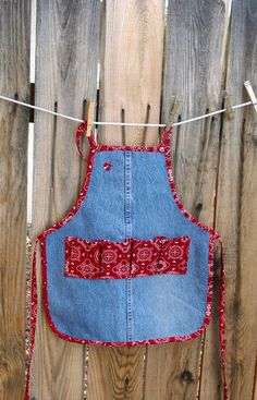 Jean Girl Gathering Apron  Egg Gathering by SusiesTieOneOnAprons #chickens #4H