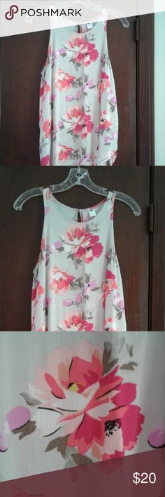 sleeveless top VERY BEAUTIFUL old navy sleeveless top with pretty pink flowers, longer style , size m Old Navy Tops