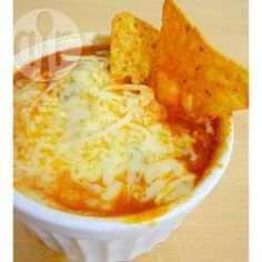 Chilli @ allrecipes.com.br - Prato tradicional mexicano feito de carne e feijões com sabor apimentado. Delicioso principalmente em dias frios. Saboreie com queijo e nachos.