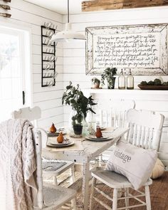 7 Breakfast Nook Ideas that Don't Break the Bank - Decor Steals Blog Kitchen Nook, Kitchen Decor, Kitchen Ideas, Breakfast Nook Decor, Breakfast Ideas, Cozy Furniture, Painted Furniture, Mismatched Chairs, Farmhouse Decor