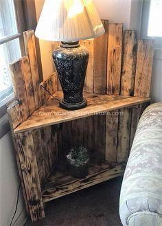 Wonderful Pallet Furniture Ideas and Tutorials wooden pallets bedside table idea Wooden Pallet Projects, Wooden Pallet Furniture, Wooden Pallets, Wooden Diy, Rustic Furniture, Diy Furniture, Pallet Art, Furniture Stores, Furniture Plans