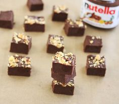 After successfully making 5 minute cookies and cream fudge, I had to of course tackle a Nutella version. This recipe is just as easy. Stick everything in the microwave for about 1 minute, stir, pour Microwave Peanut Butter Fudge, Nutella Fudge, Nutella Recipes, Fudge Recipes, Nutella Snacks, Nutella Chocolate, Chocolate Chips, Chocolate Morsels, Microwave Recipes