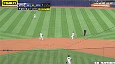 Robinson Cano got territorial. | The 89 Funniest Sports GIFs Of 2013 <-- My turf.